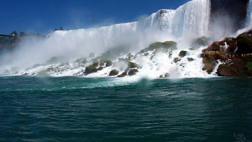 Breathtaking Beauty at Niagara Falls