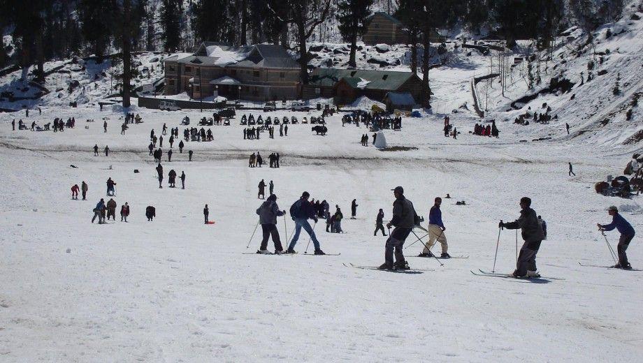 Skiting-in-Manali