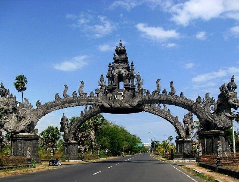 Gapura, Bali