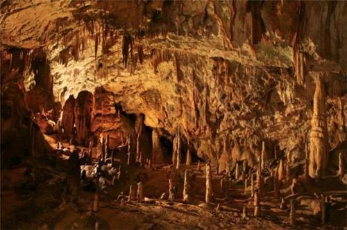 Caves in Jaintia Hills