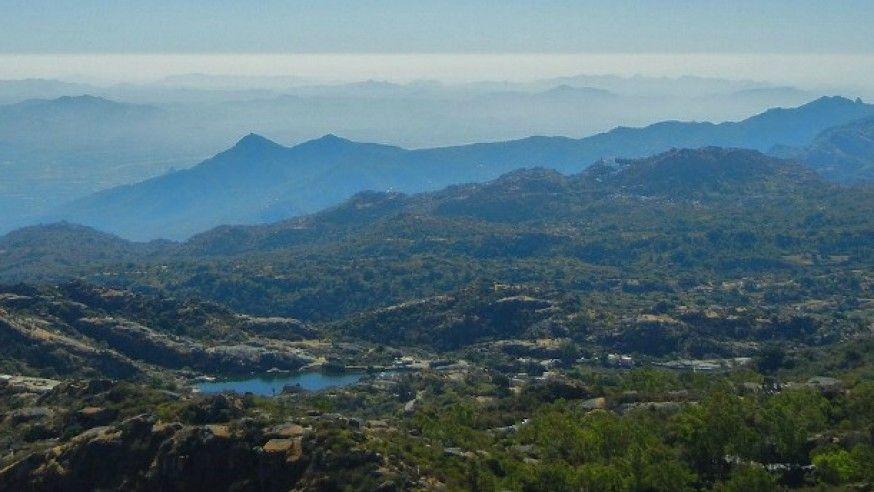 The beauty on top of the Aravalli range: Mount Abu