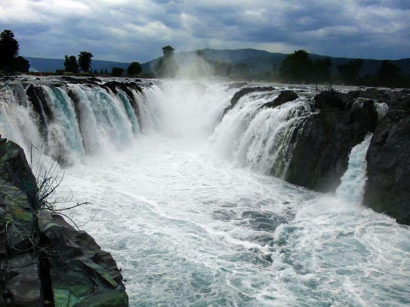 Hogenakkal Falls, source- wikipedia