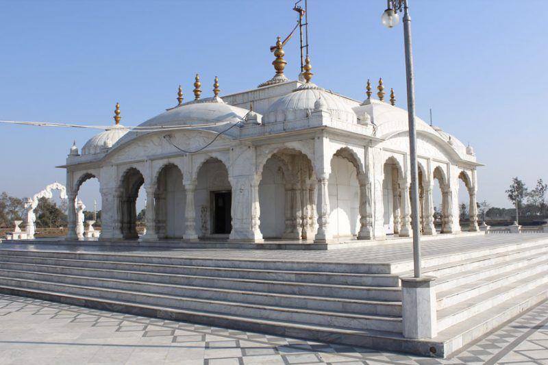 Jalmandir, source- beautiful places