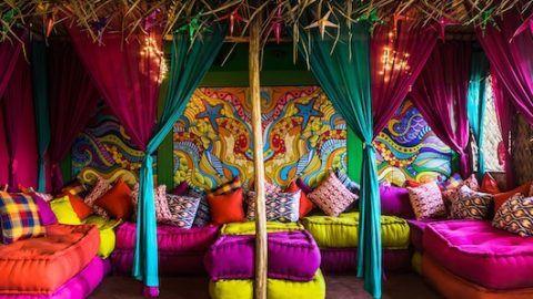 New Theme Based Cafes in Delhi