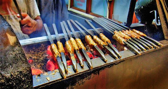 Salim's kebab, Defence Colony