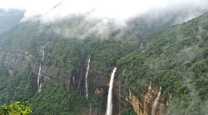 Nohkalikai Falls, Cherrapunjii