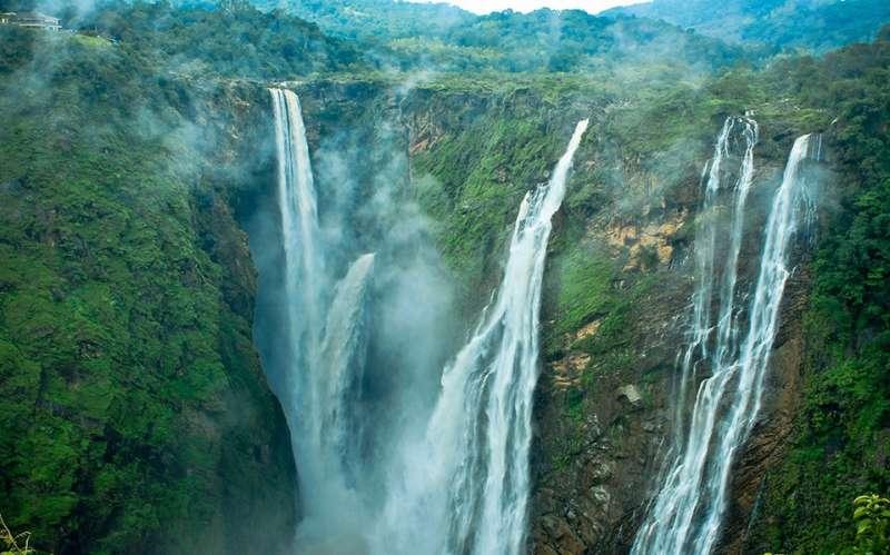 Satdhara Falls, Himachal Pradesh