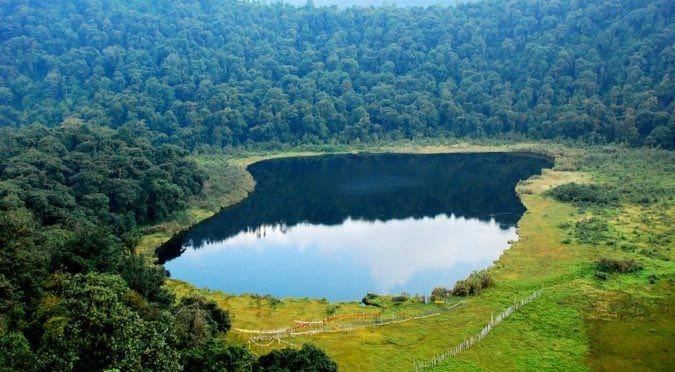 Gazing Palak Lake