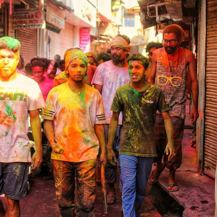 5 Reasons why you should visit Pushkar on Holi