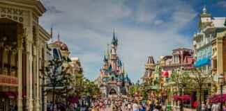 Disney land Paris reopens